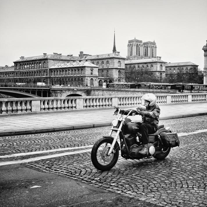 Le biker de l'ile de la cité