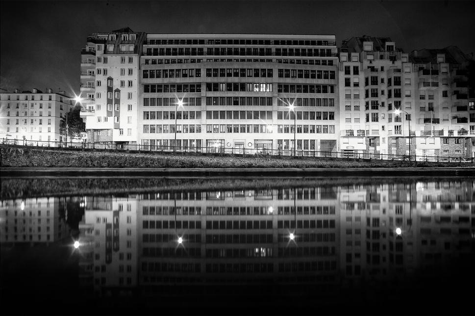 Reflet sur le canal saint martin