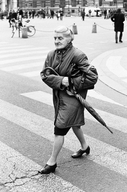 La femme au parapluie