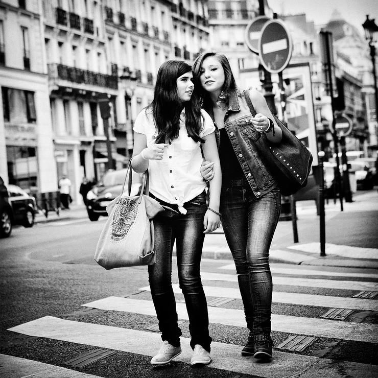 Jeunes Parisiennes