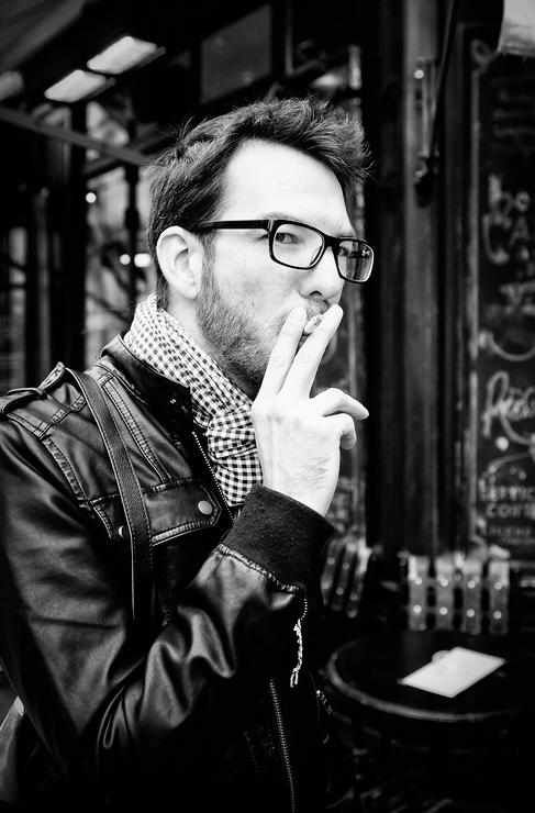 Lui c'est un fumeur photographe ou l'inverse