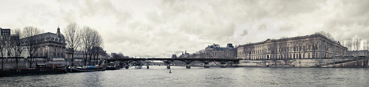Le Louvre et le pont des arts