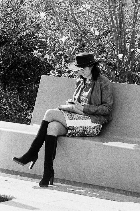 Le femme au chapeau noir