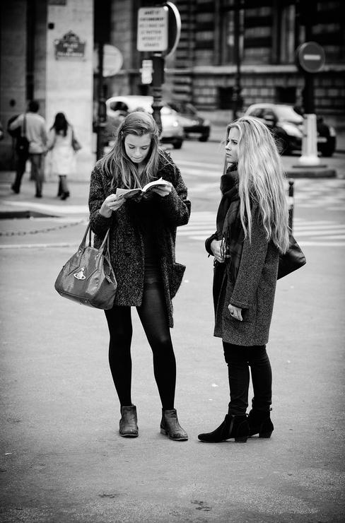 Vanessa et Mélanie perdue dans Paris