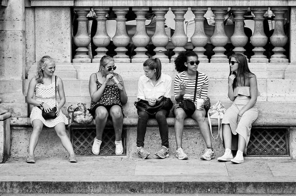 Entre jeunes femmes