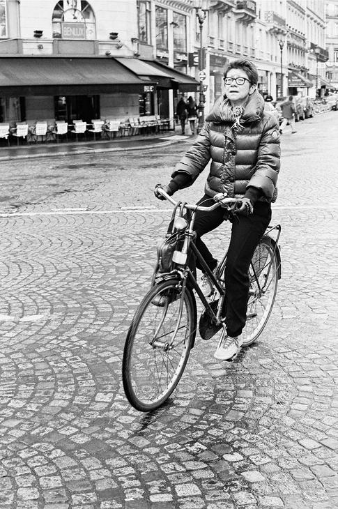 Denise sur son vélo