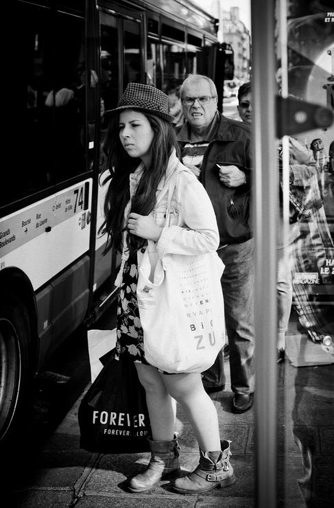 A l'arrêt du bus