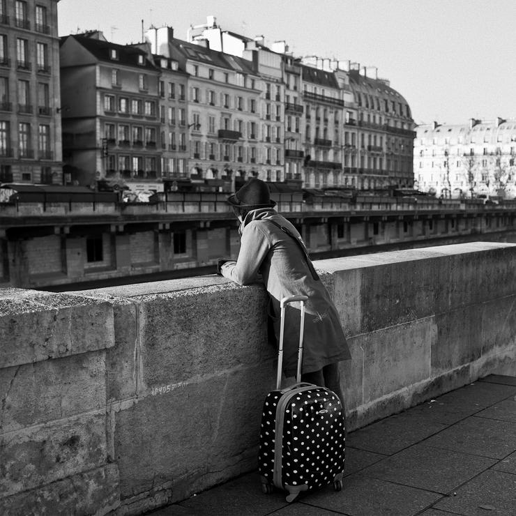 La valise à pois blanc