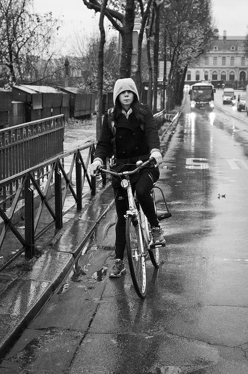 Sous la pluie à vélo