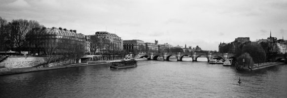 Le pont neuf et ses berges