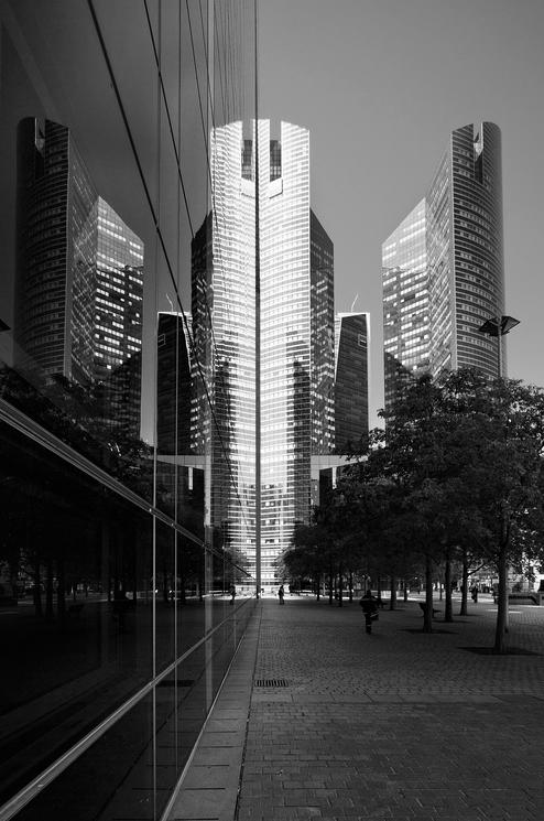 Reflet de la tour SG
