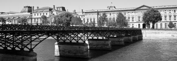 Le pont des arts en version street art