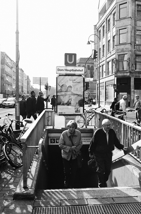 Sortie de métro à Cologne
