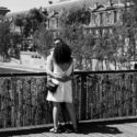 Amoureux sur le pont des Arts