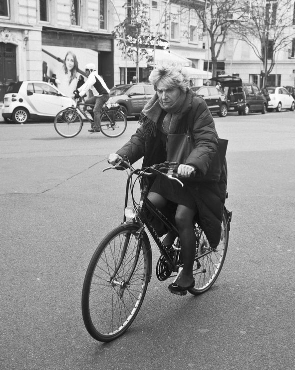 Berthe sur son vélo