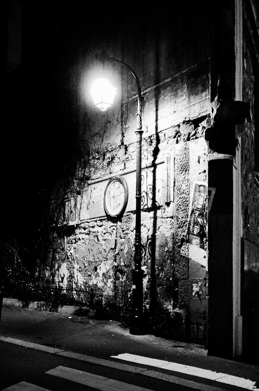 Lumière du soir rue Pirandello