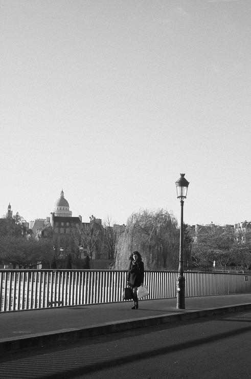 De loin sur le pont
