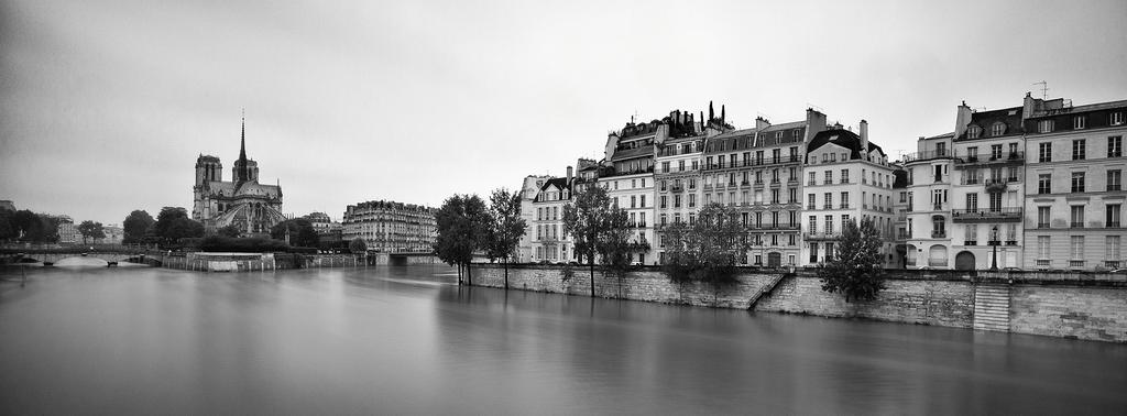 Début de l'inondation sur l'île saint-louis