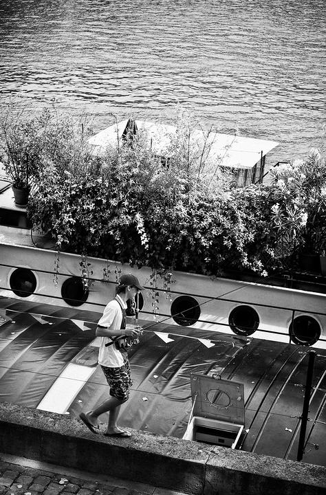 Le pêcheur du pont des arts