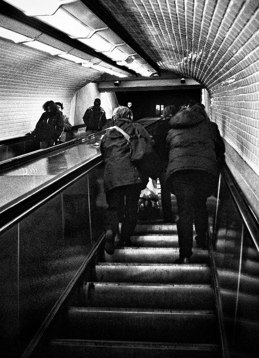 Sur un escalator