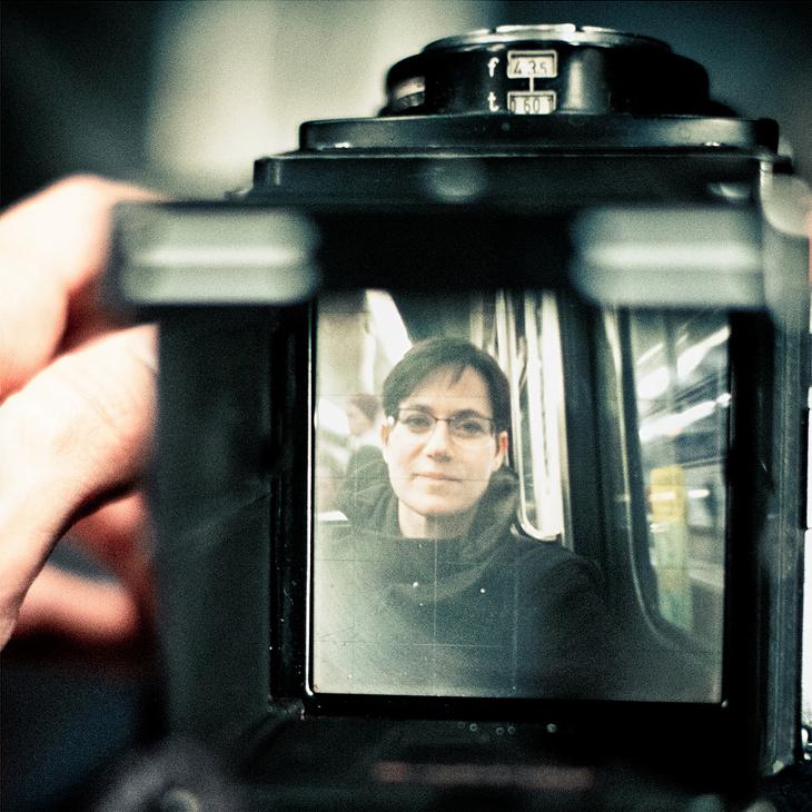 Anne au travers du Rolleiflex
