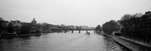 Le pont des arts en hiver