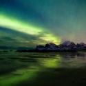 L'arc / Aurore boréale / Storsandnes Beach / Lofoten / Norvège