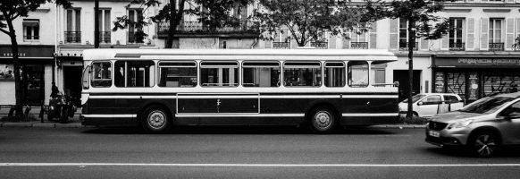 Bus à plate-forme