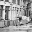 Rouler avec un parapluie