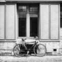 Le vélo sous la fenêtre