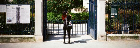 Lydie fait de la photo de la Tour Saint-Jacques