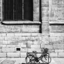 Un vélo posé là