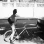 A gauche du vélo