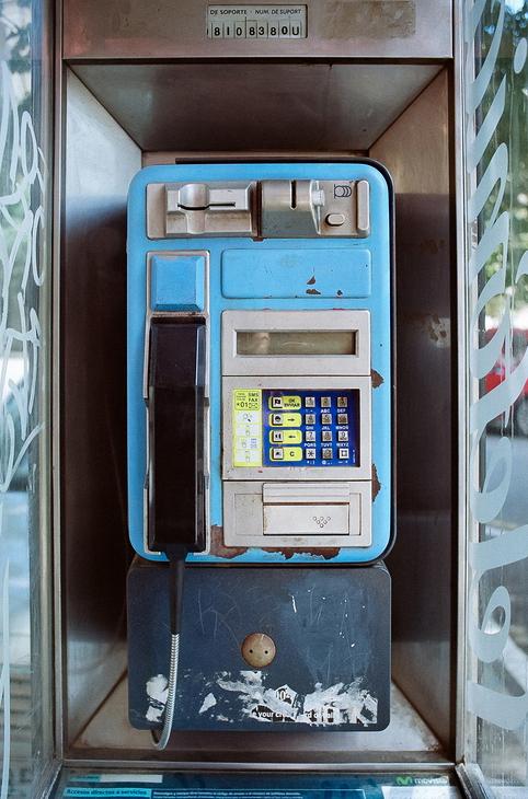 La vieille cabine de téléphone