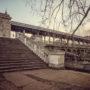 L'escalier qui mène au pont de Bir-Hakeim