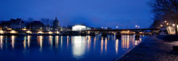 Le pont des arts  au lever du jour
