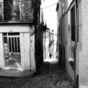 Dans la petite ruelle