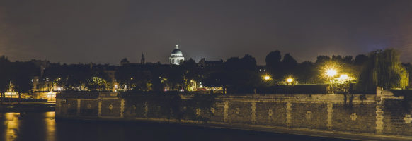Au loin le Panthéon