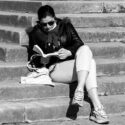 Lire sur les escaliers