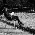 Lecture dans le parc