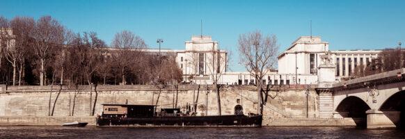 Péniches en bord de Seine