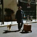 Mme Denisot et son chien Marcel